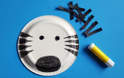 Tiermaske Zebra selber basteln - Bild 6