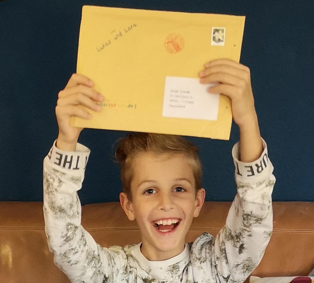 Aurelius freut sich über Brief von Lukas und Lara auf Tour